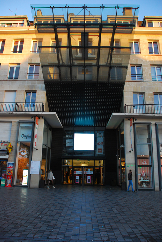 Centre commercial Place d'armes - Valenciennes - Alive Technology